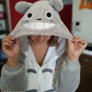 6 a la maison pyjama totoro
