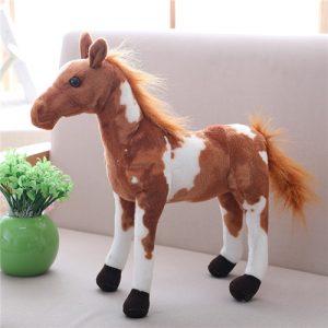 cheval marron et blanc